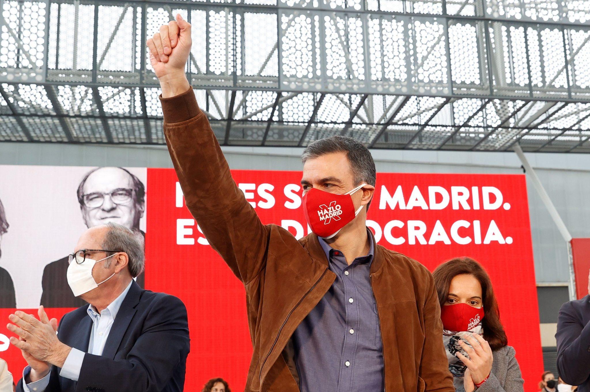 Pedro Sánchez, este domingo, en Getafe.