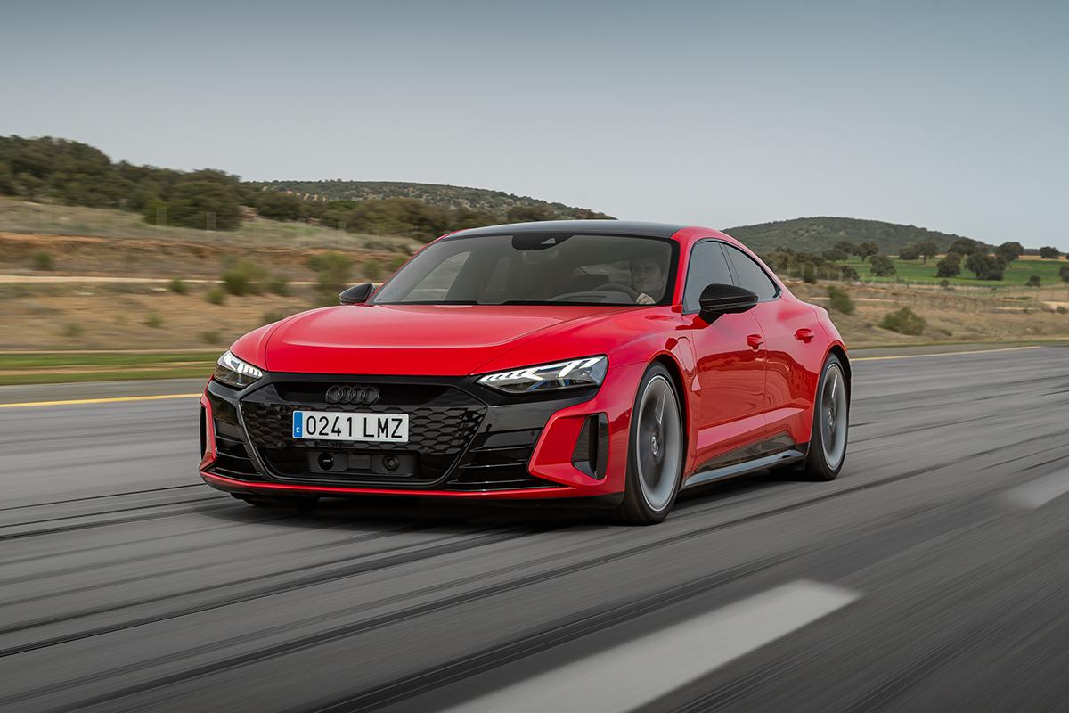 Al volante del Audi e-tron GT:  hasta donde puede llegar un eléctrico