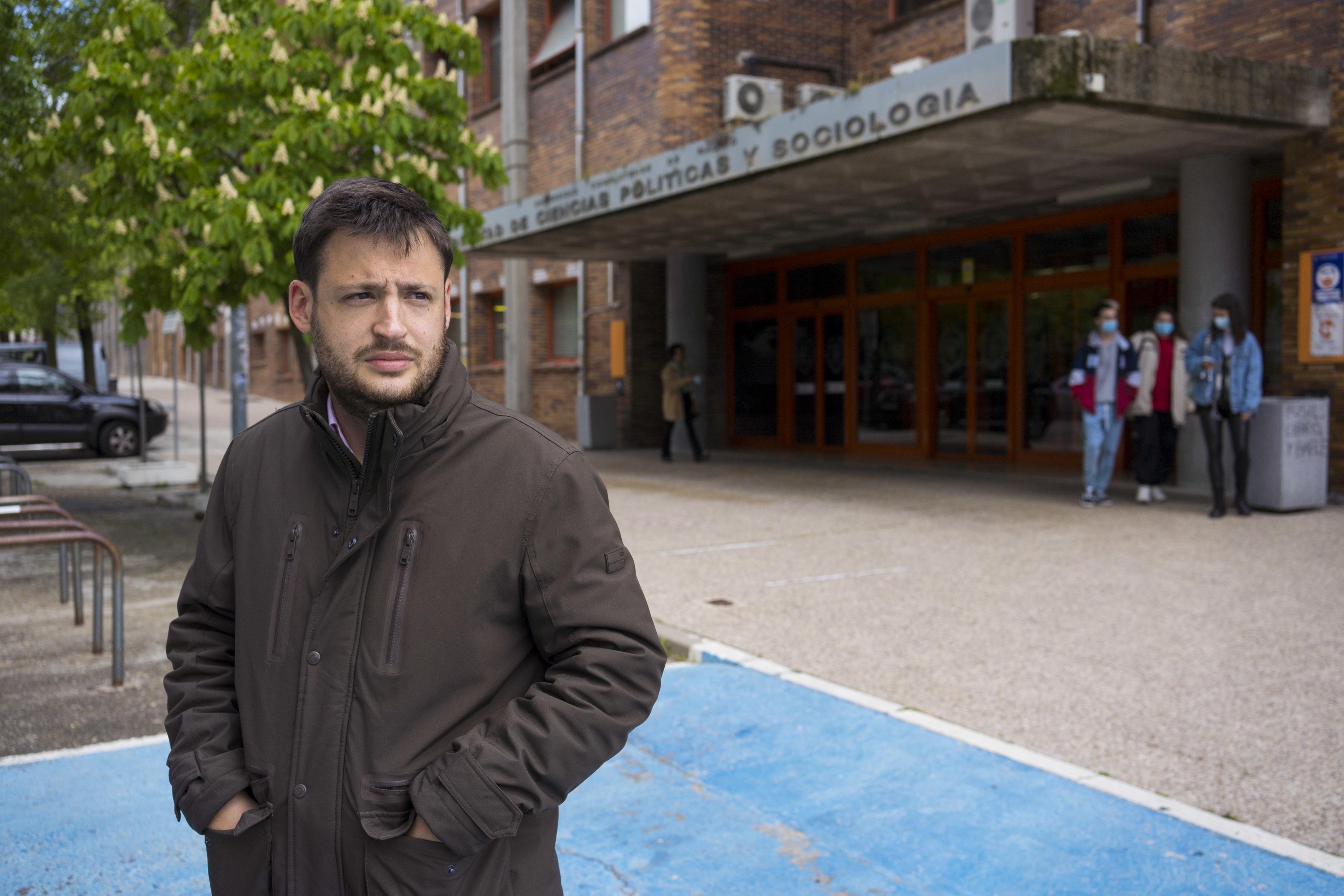 Álvaro Vara, organziador de la charla.