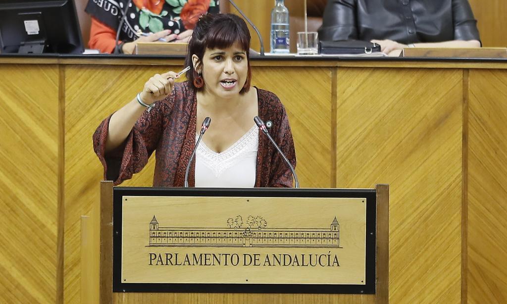 Teresa Rodríguez, este miércoles, en la tribuna del Parlamento andaluz.