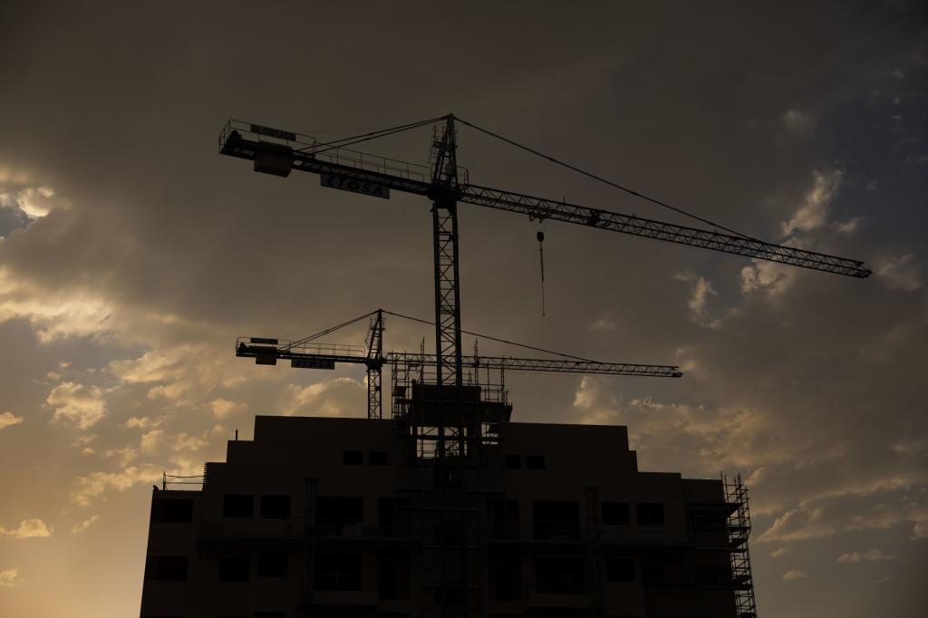 Construcción de viviendas en el norte de Madrid.