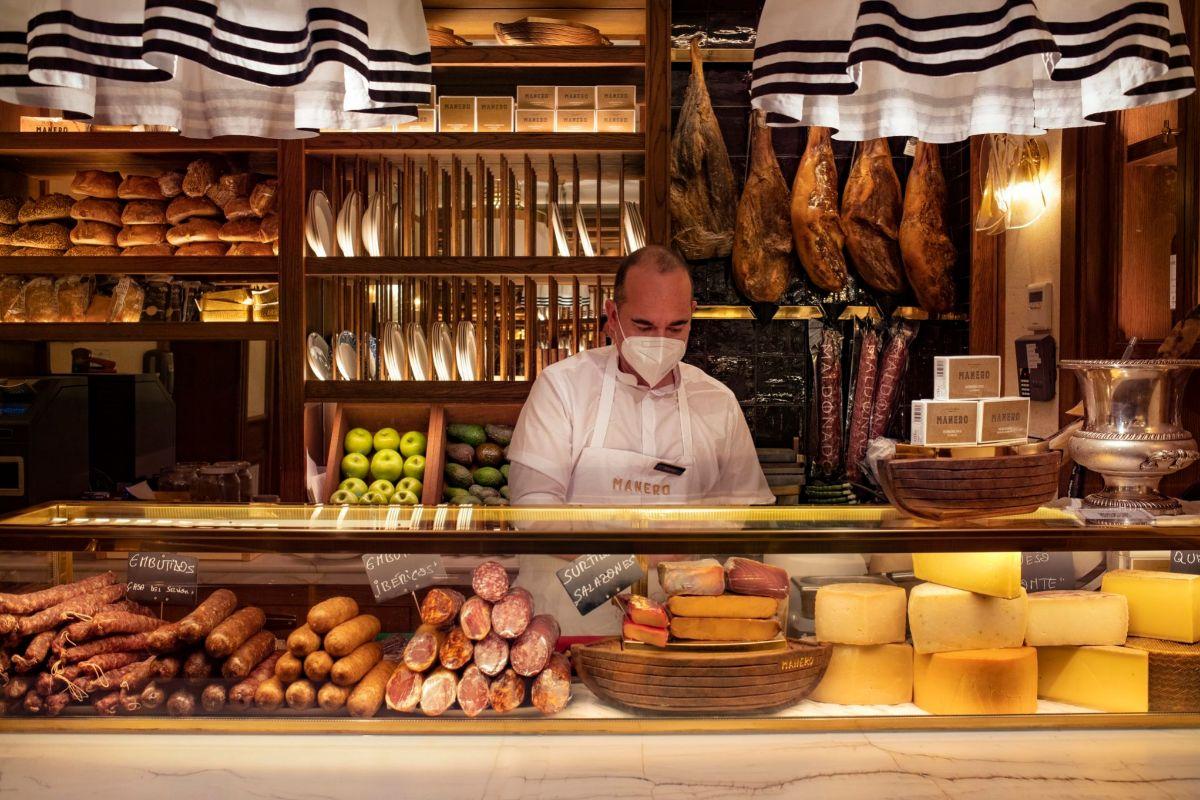 Manero, el bar boutique junto a la Puerta de Alcalá.
