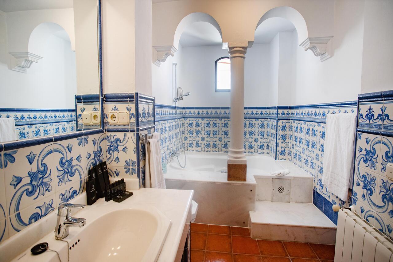 Cuarto de baño en el Palacio San Gabriel.