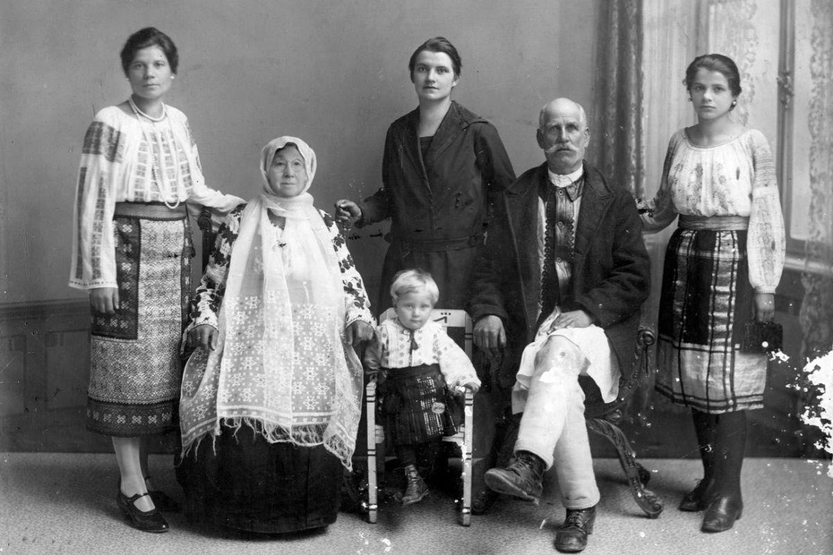 La familia Sfânt.
