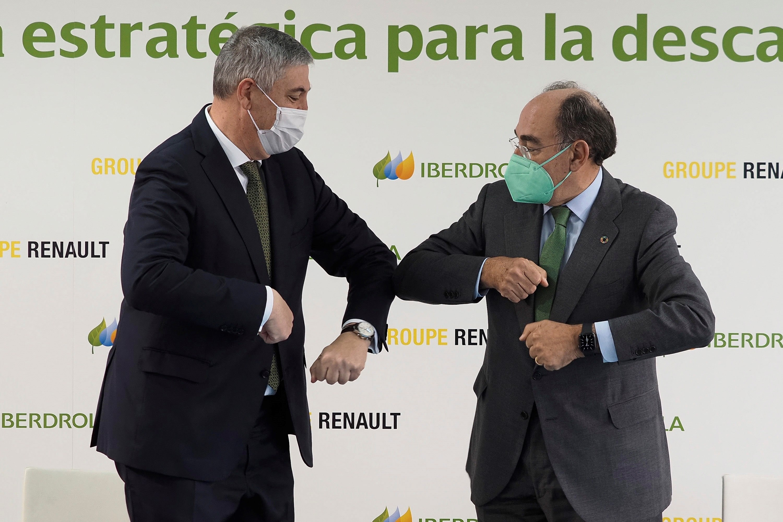 José Vicente de los Mozos e Ignacio Galán  tras la firma del acuerdo estratégico Renault-Iberdrola.