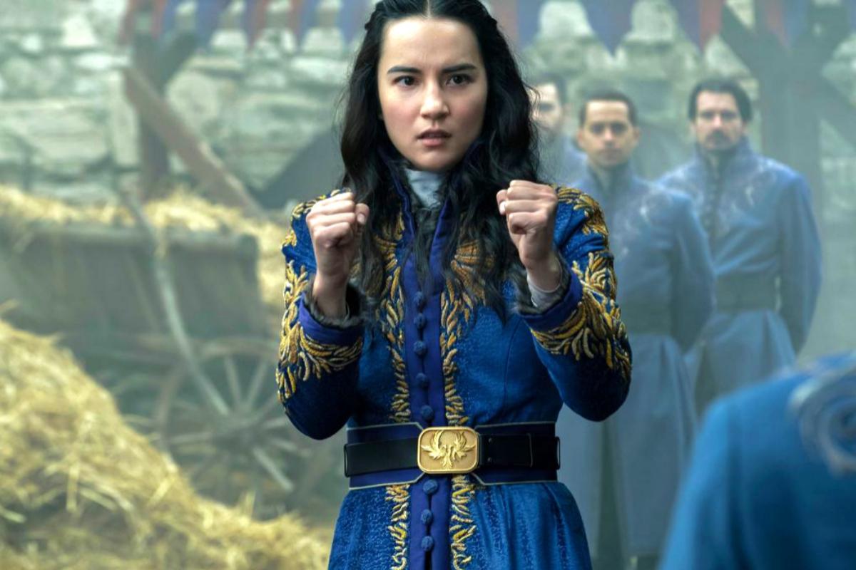 La joven cartógrafa Alina Starkov deberá entrenar para controlar su poder.