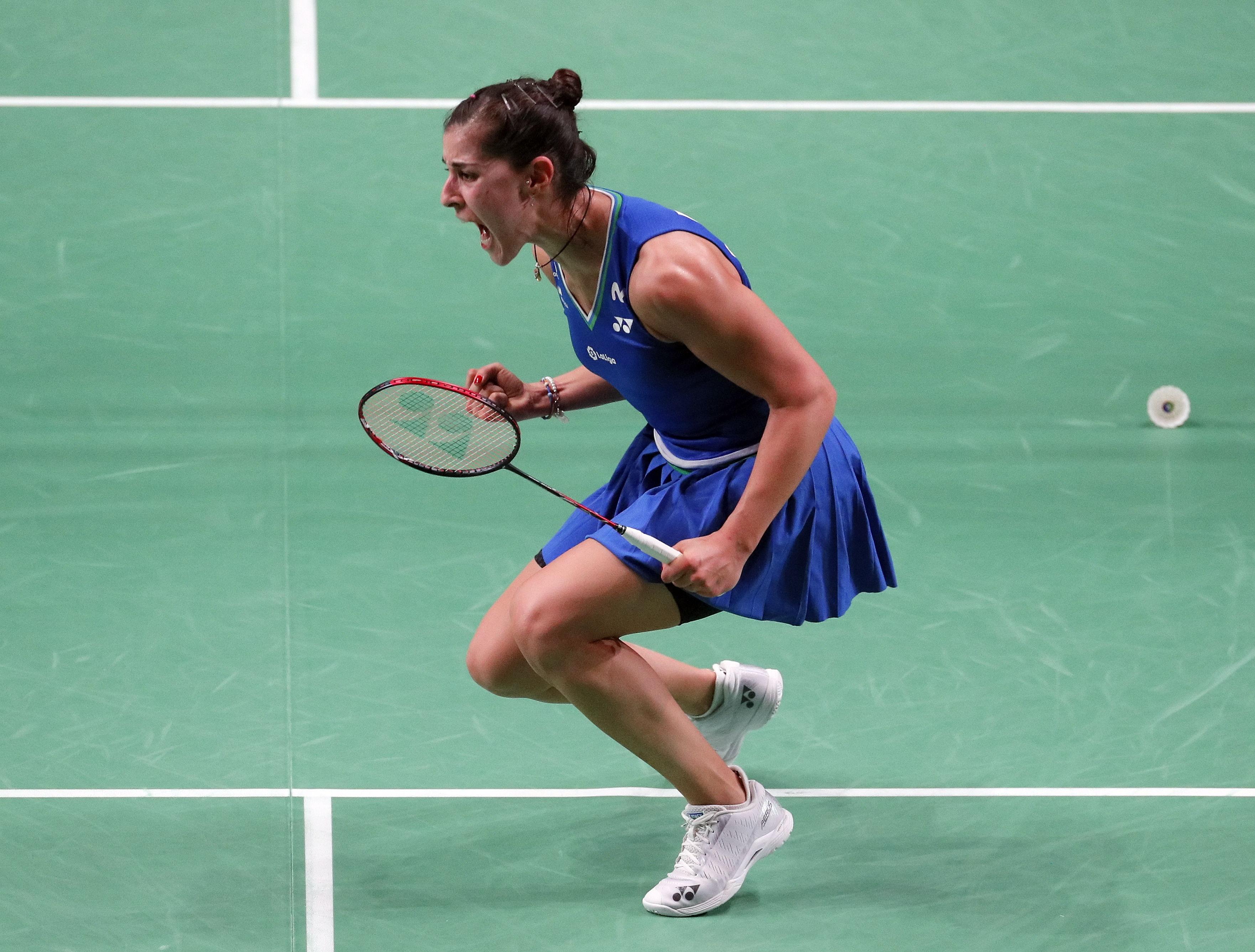 Carolina Marín celebra su victoria en la final.