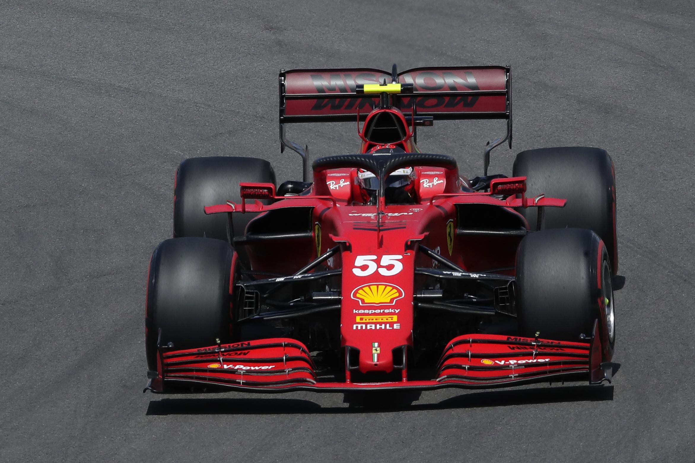 Sainz, con el SF-21, durante el GP de Portugal.
