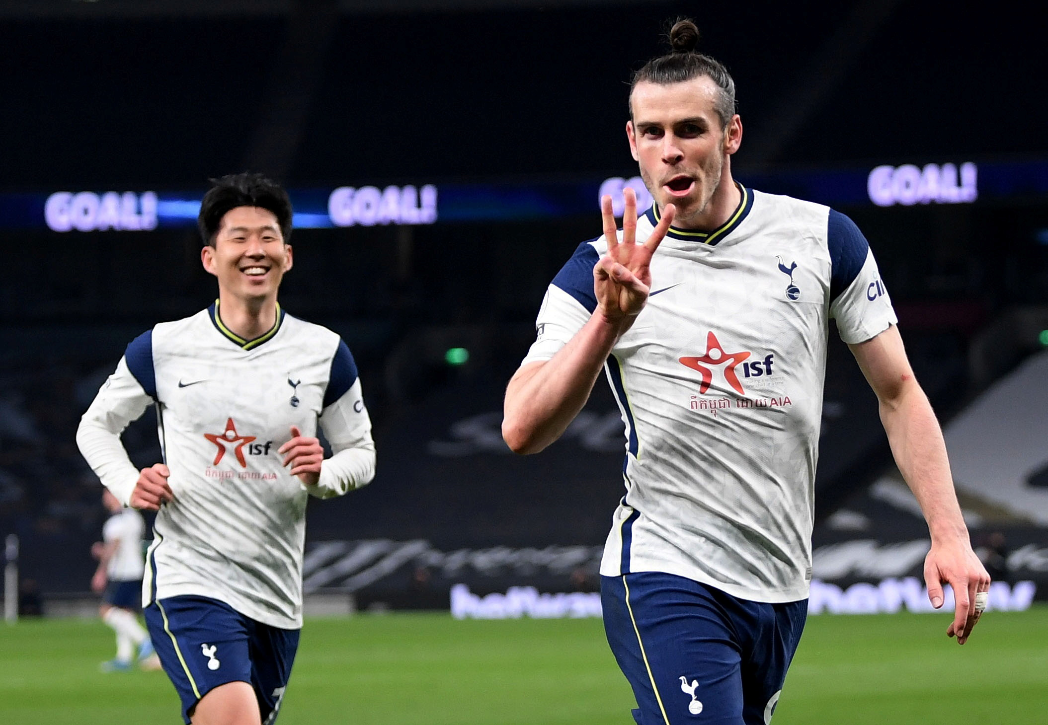 Bale celebra su tercer gol.