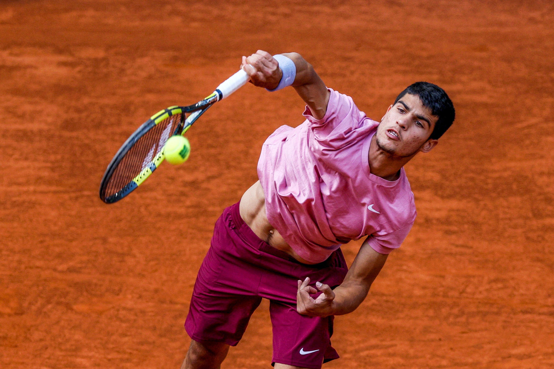 Carlos Alcaraz, durante su partido.