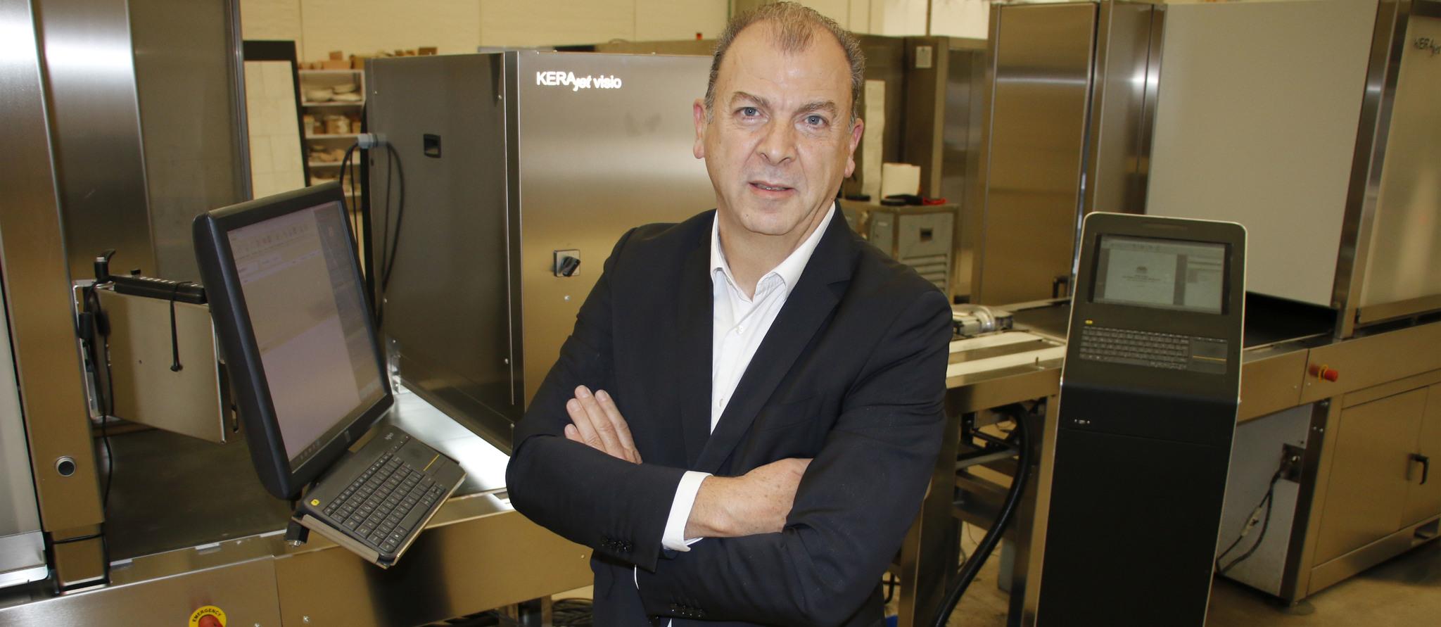 José Vicente Tomás  Claramonte es el director general de Kerajet.