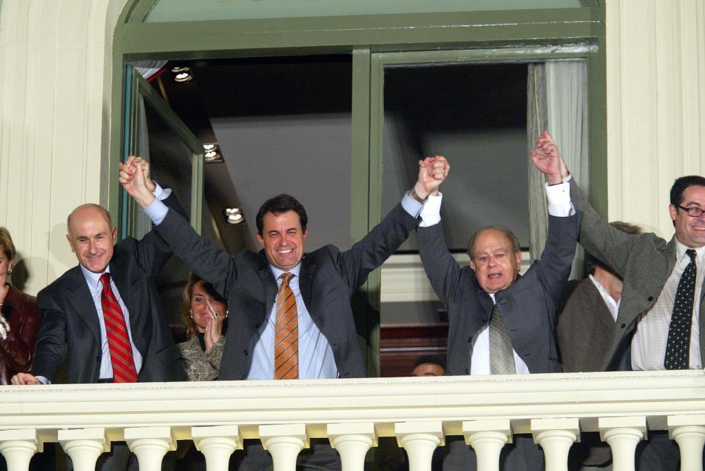 Durán i Lleida, Artur Mas y Jordi Pujol, en los días felicies de CiU, celebrando en el Hotel Majestic la vicroia elecotral en 2003.