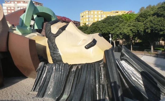 Toboganes del parque Gulliver en el Jardín del Turia de Valencia.
