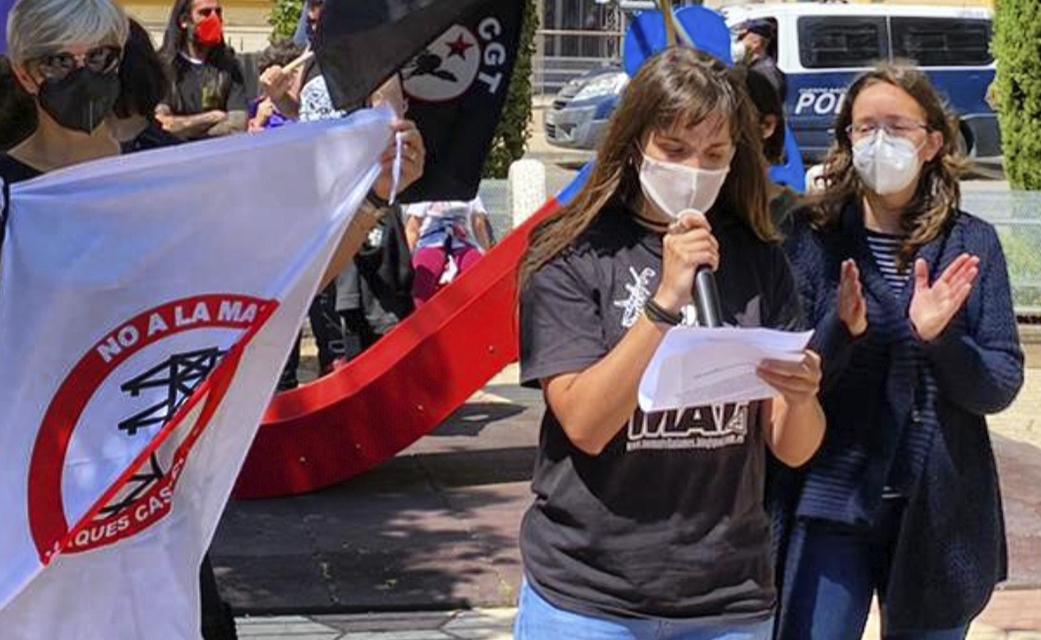 Carla Olucha y Rocío Troncho de la Plataforma NO a la MAT.