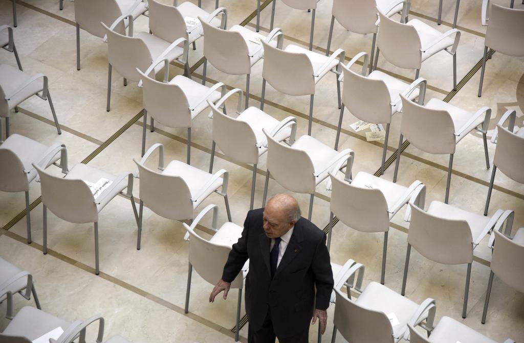 Pujol en un acto en el Parlament cuando Puigdemont era presidente