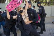 Una de las integrantes de Femen detenidas.
