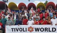 Concentración reclamando la apertura del parque Tívoli World en Málaga.