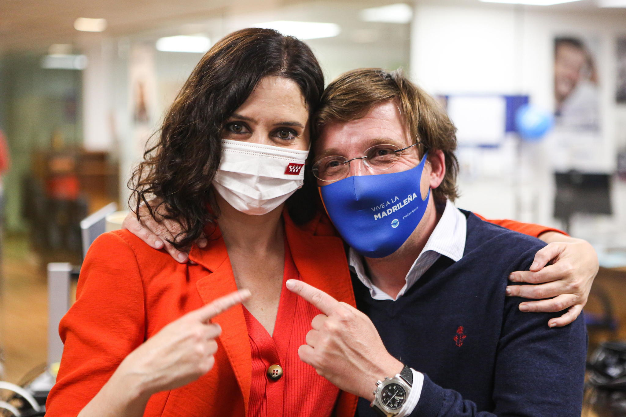 Isabel Díaz Ayuso y José Luis Martínez-Almeida, en una imagen difundida ayer en las redes sociales por el alcalde.
