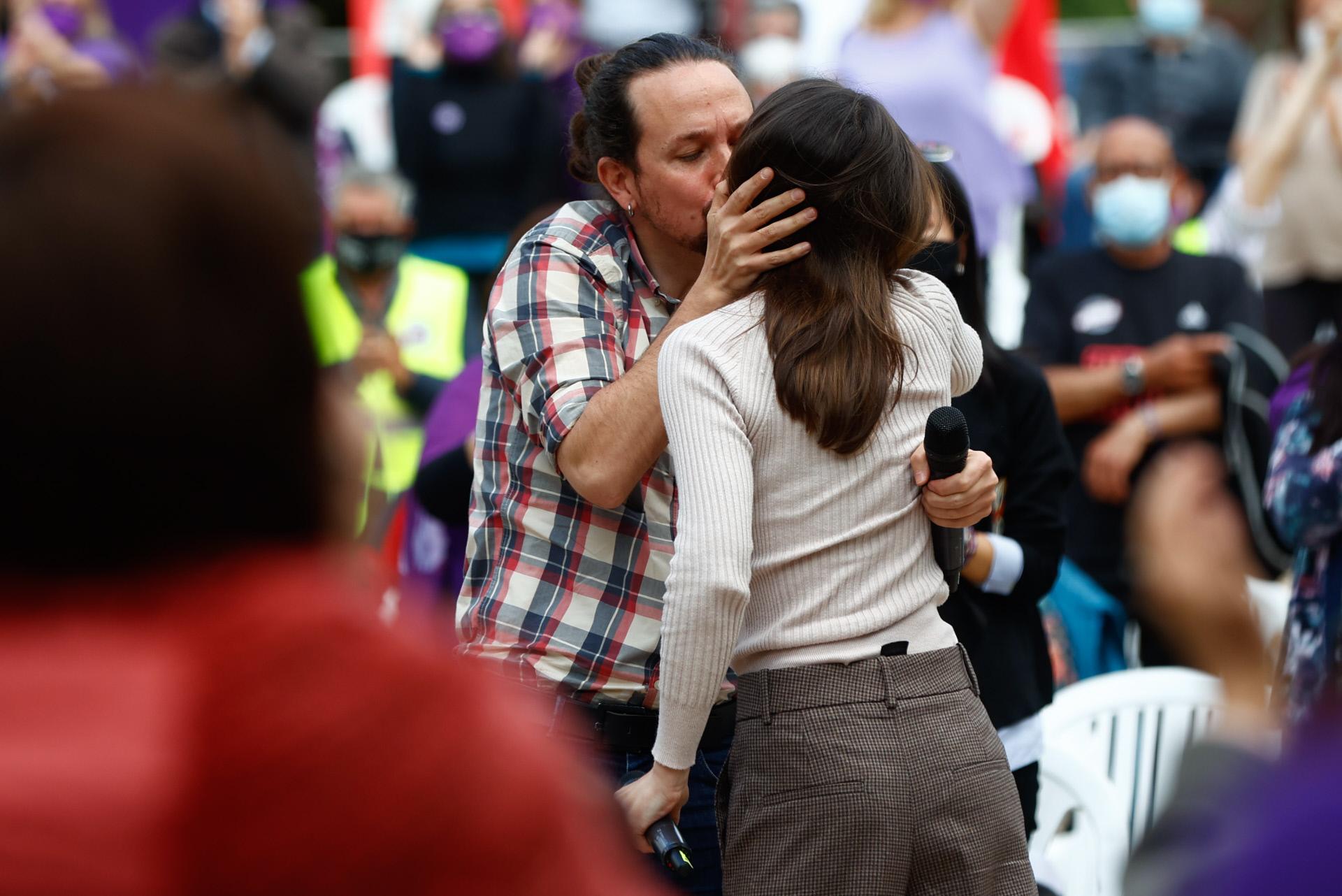 Pablo Iglesias e Irene Montero, hace unos días en un acto de la campaña electoral.