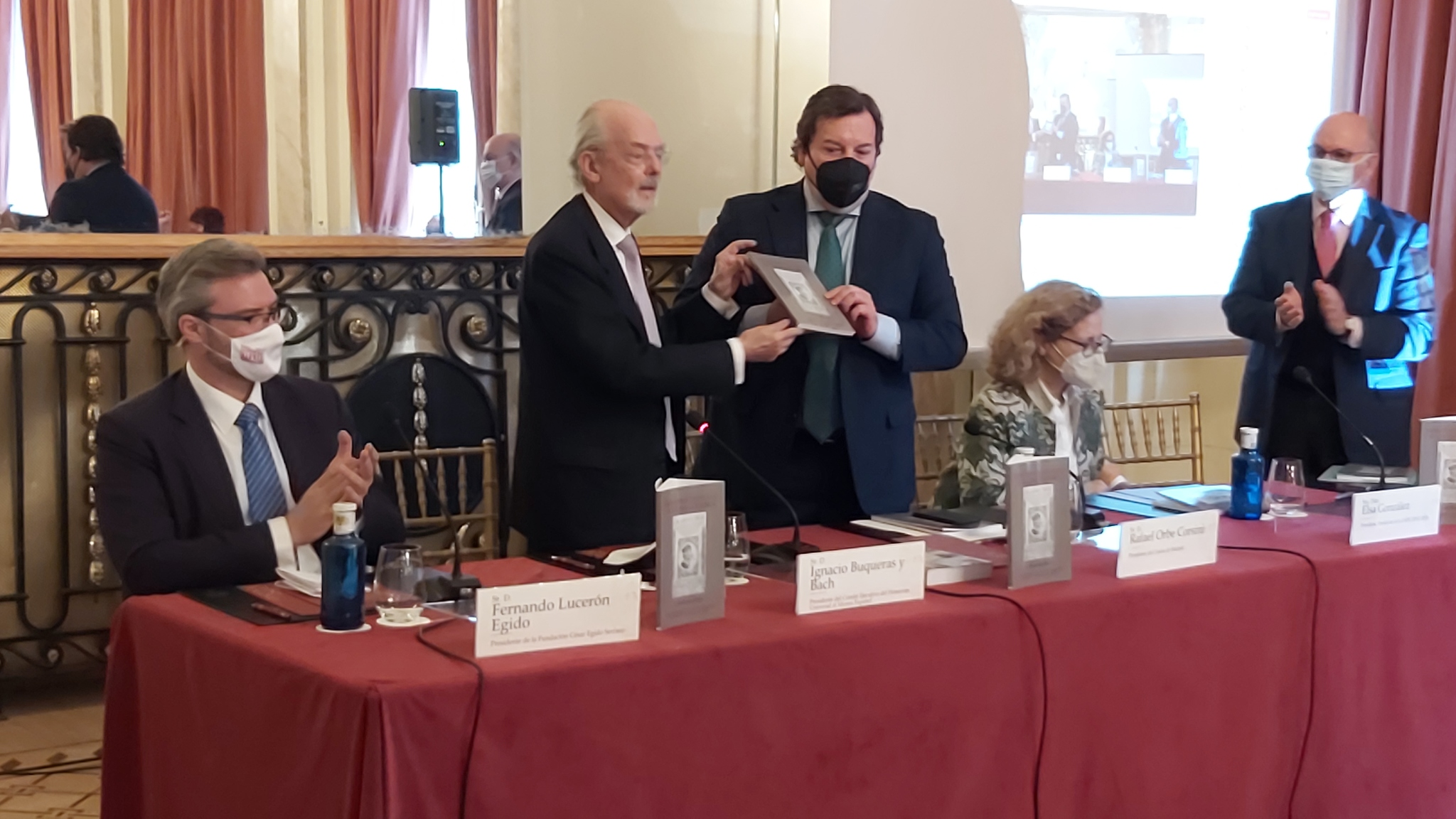 De Izda. a drcha. Fernando Lucerón Egido, Ignacio Buqueras, Rafael Orbe, Elsa Gonzalez, y Aldo Olcese.