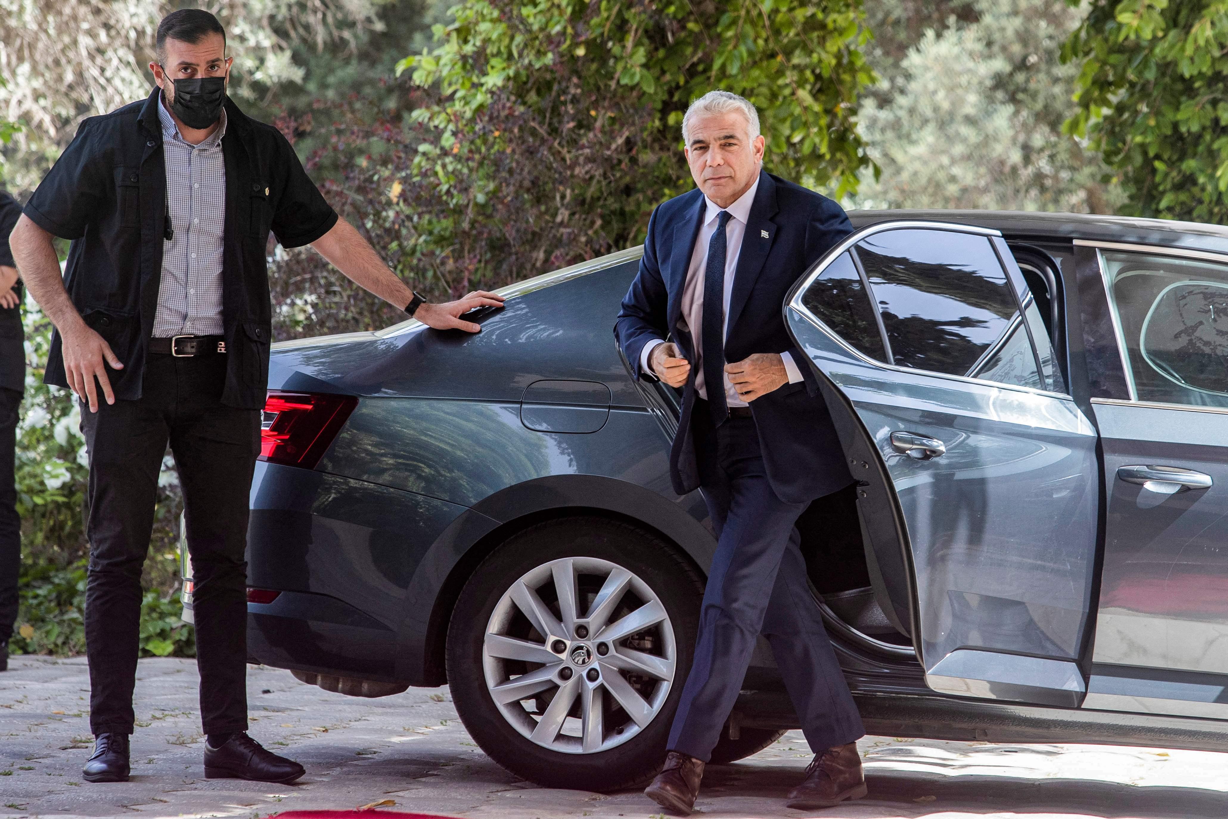 El líder centrista Yair Lapid recibe el encargo para formar Gobierno en  Israel | Internacional