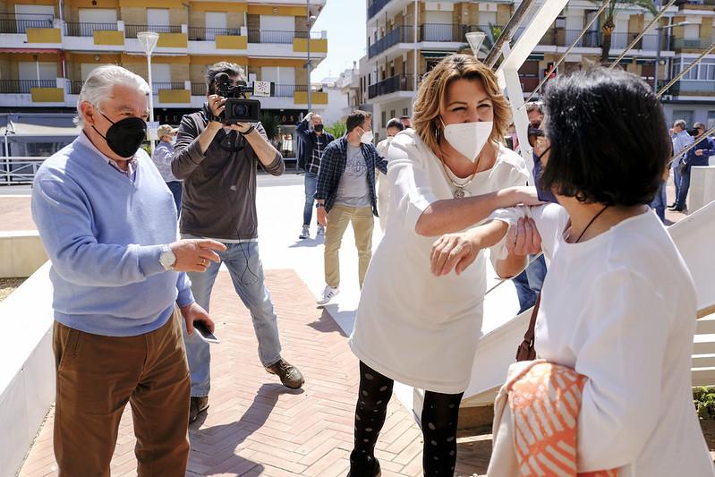 La secretaria general del PSOE andaluz, en una visita este martes a la localidad onubense de Punta Umbría.