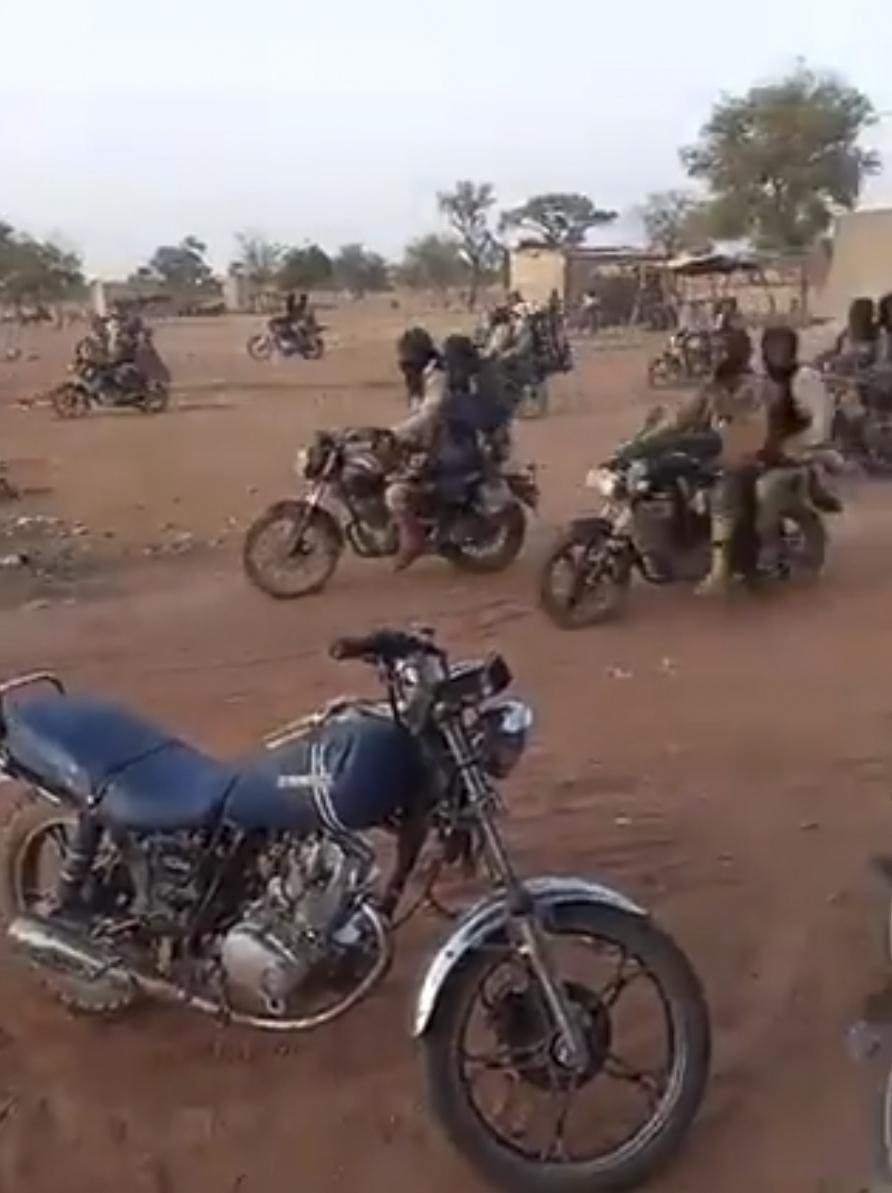 Captura de un vídeo de un grupo de yihadistas.