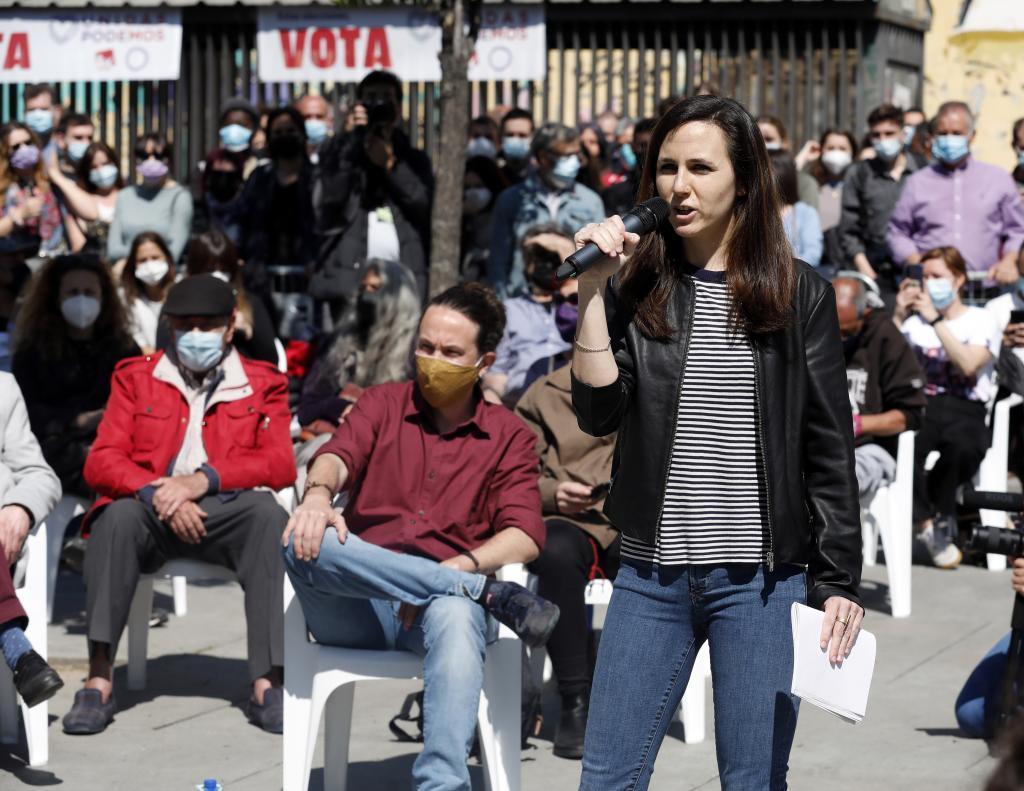 Belarra e Iglesias, en un acto de campaña en Lavapiés
