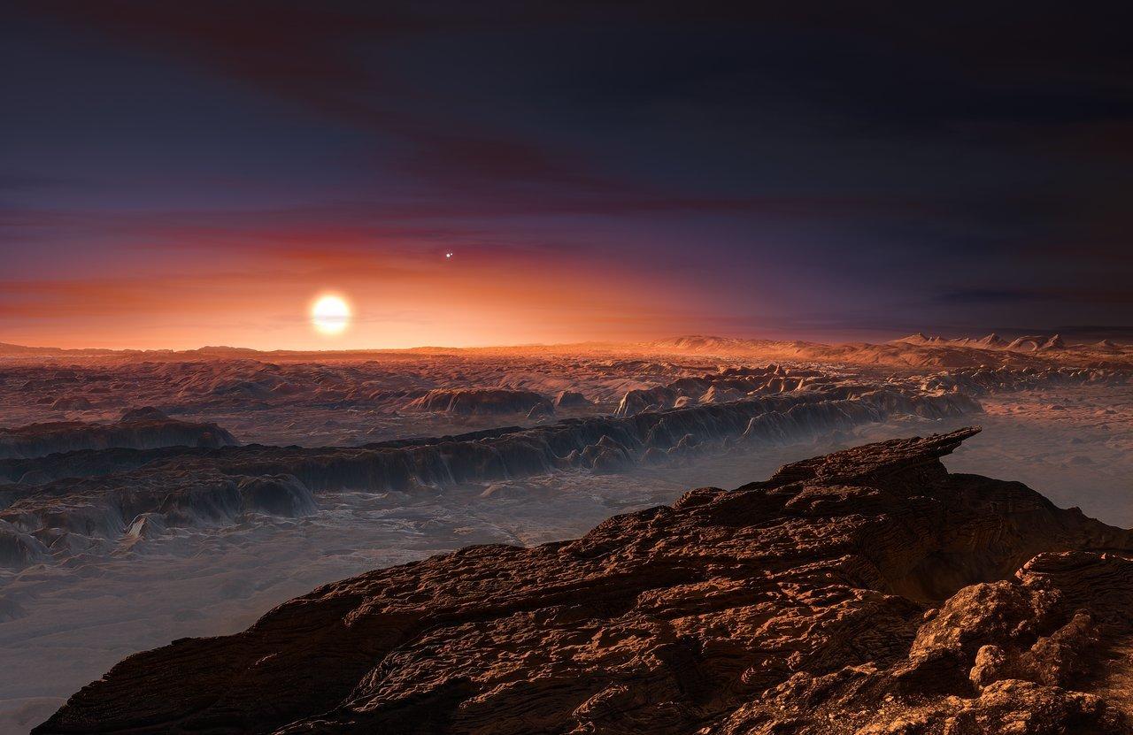 Recreación del exoplaneta Próxima Centauri b, con el sistema estelar triple visto sobre el horizonte