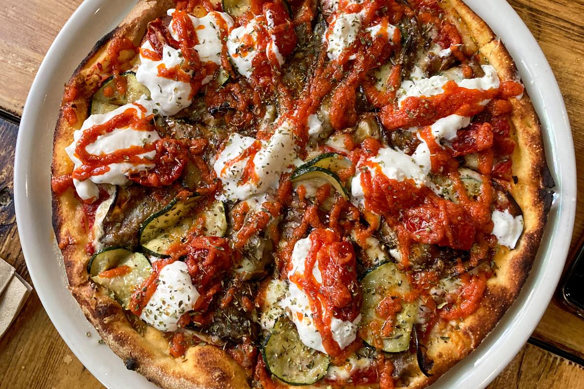 En Bizzo! las pizzas tienen un toque canalla.