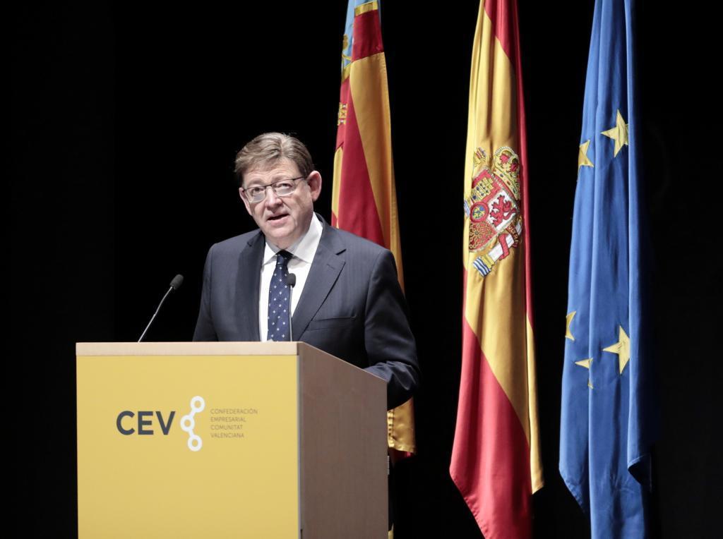 El presidente de la Generalitat, Ximo Puig, este jueves en un acto de la CEV.