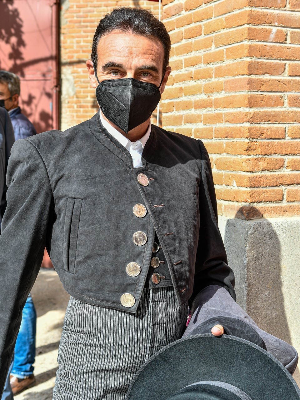 Enrique Ponce con la chaquetilla de la polémica, el pasado 2 de mayo en Las Ventas.