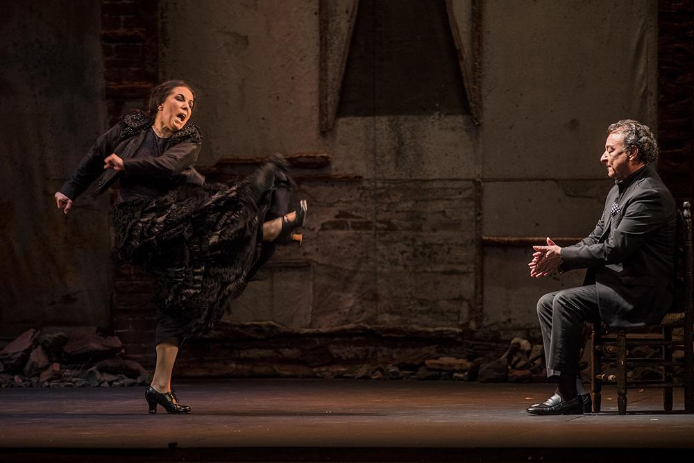 El cantaor Luis Moneo arroja luz jonda sobre la propuesta de Eva Yerbabuena.