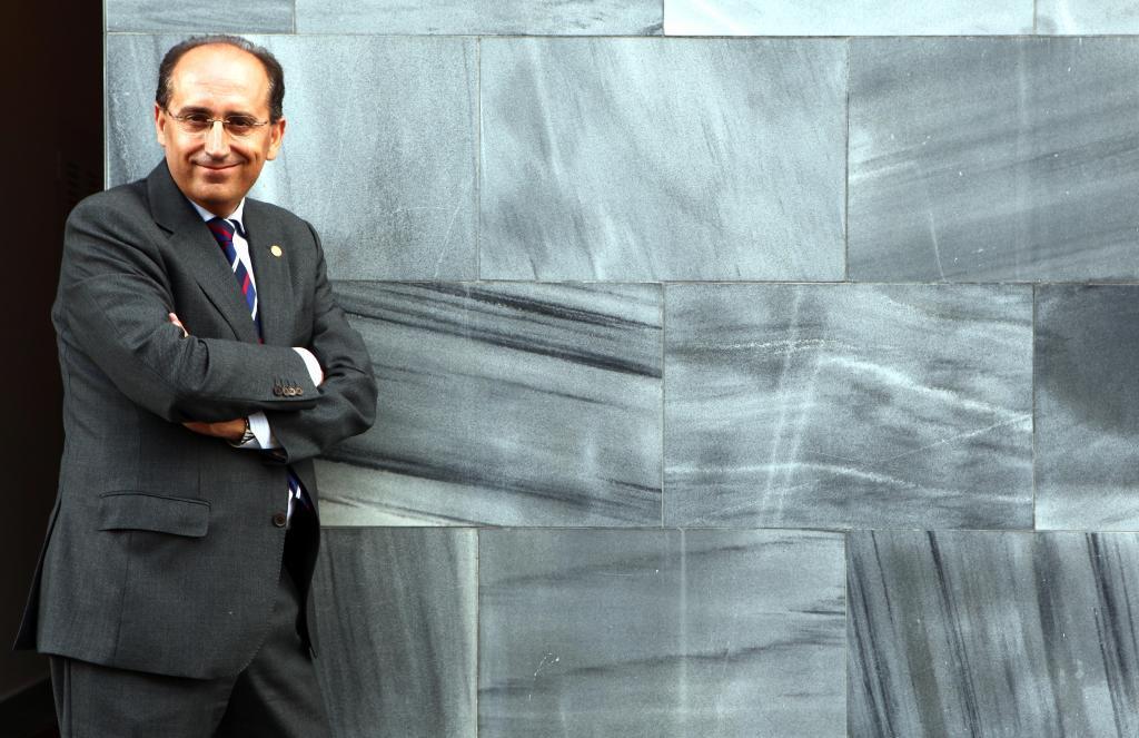 El aspirante a las primarias socialistas Luis Ángel Hierro, en una imagen de archivo.