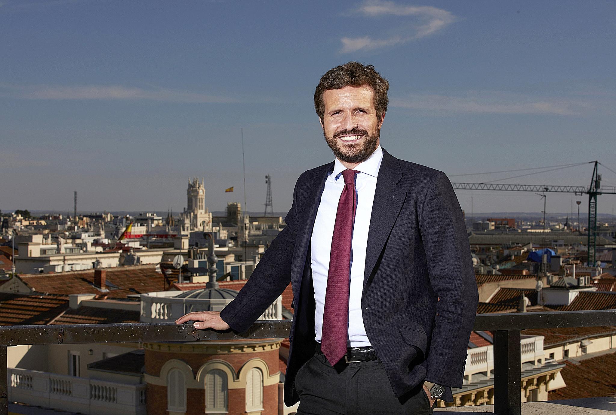 El 4-M catapulta al PP y pone por primera vez a Pablo Casado por delante de Pedro Sánchez
