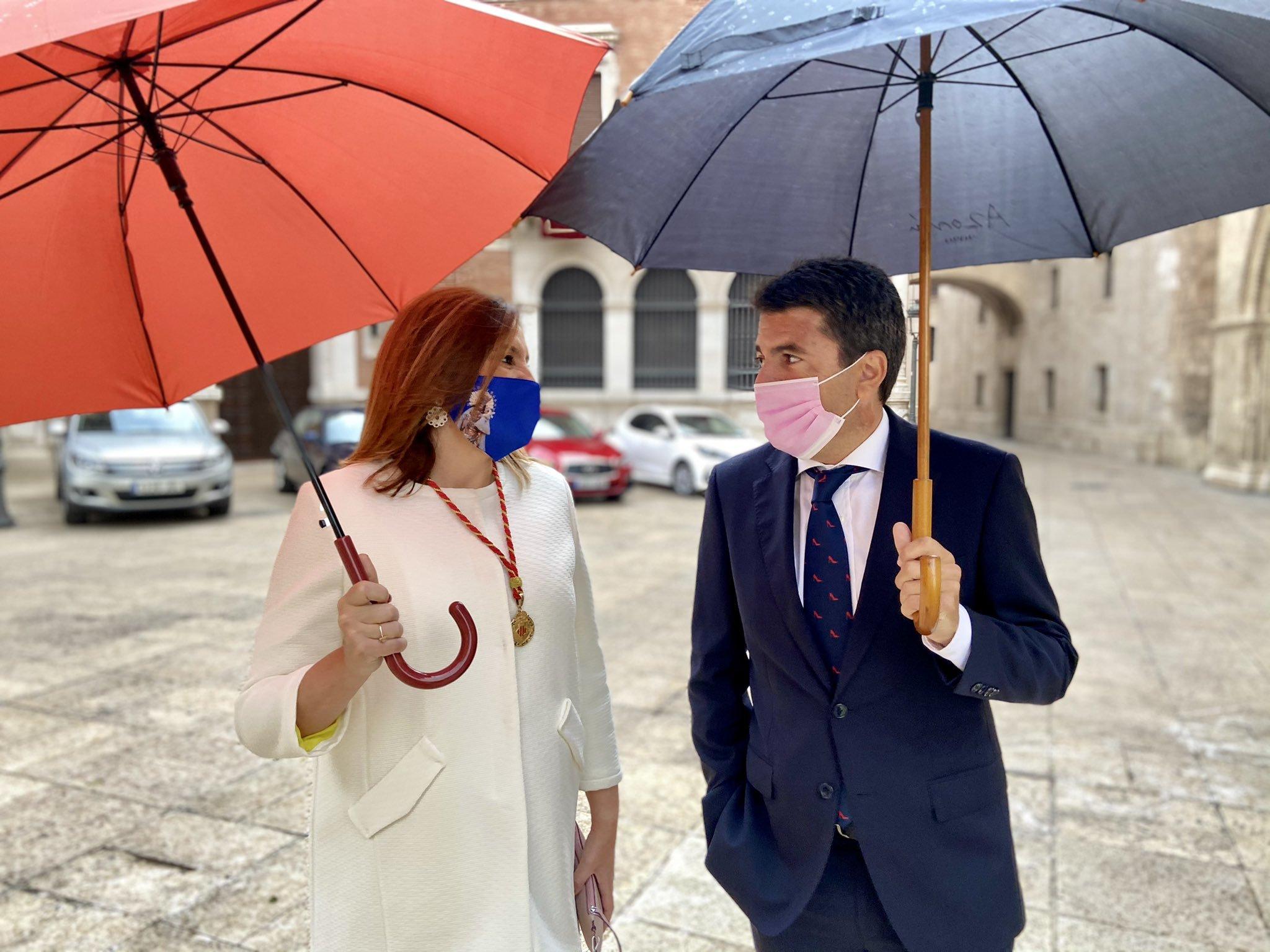 María José Catalá y Carlos Mazón, este domingo en Valencia.