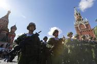 Soldados rusos en Moscú.