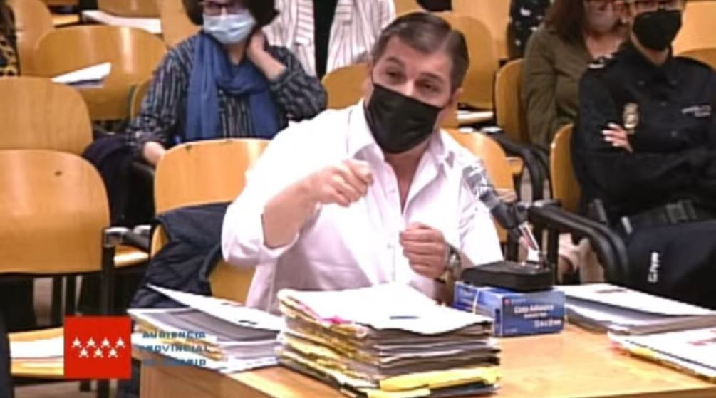 Captura de video de la señal institucional del Tribunal Superior de Justicia que muestra al acusado César Román.