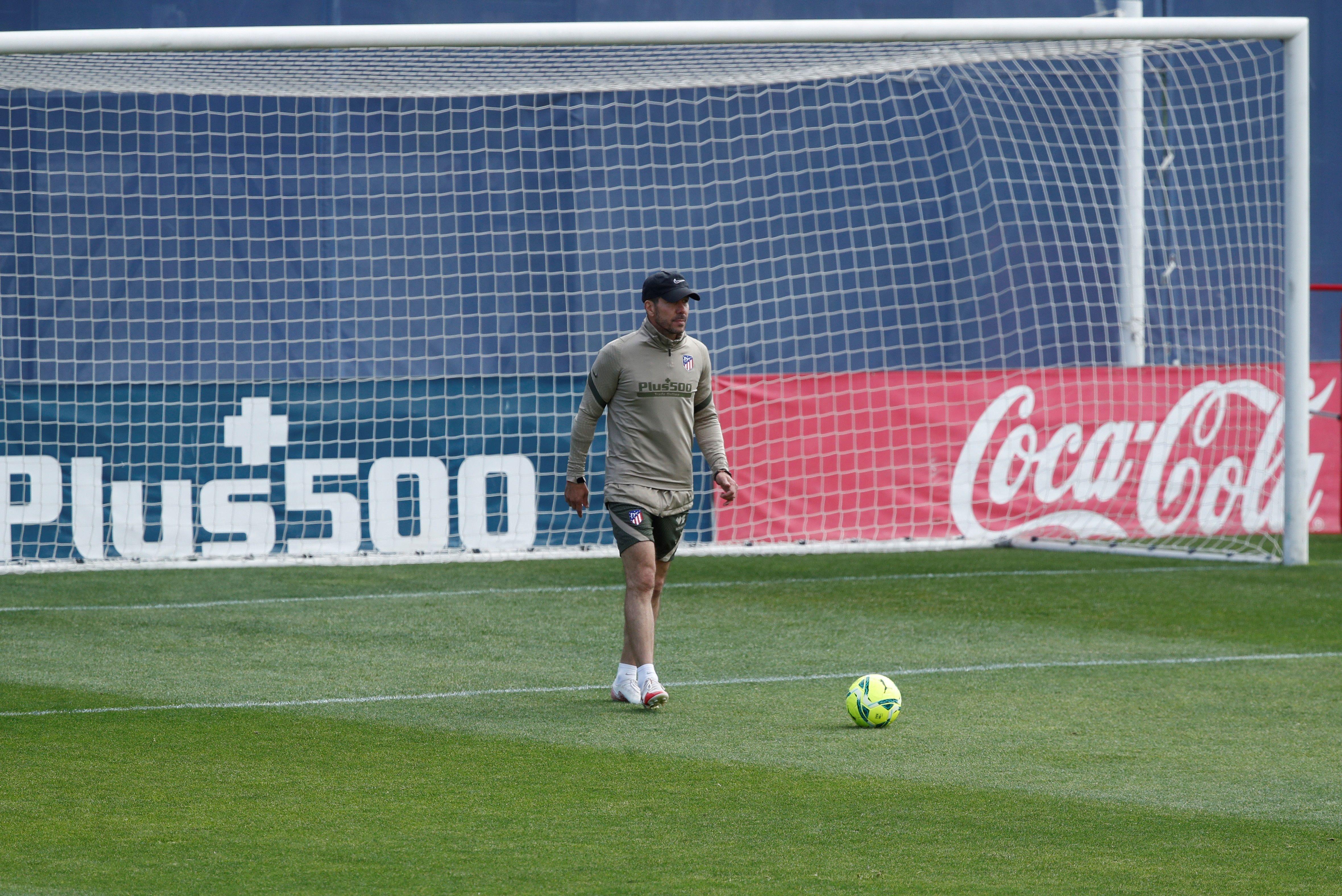 Simeone, durante el entrenamiento del Atlético de Madrid.