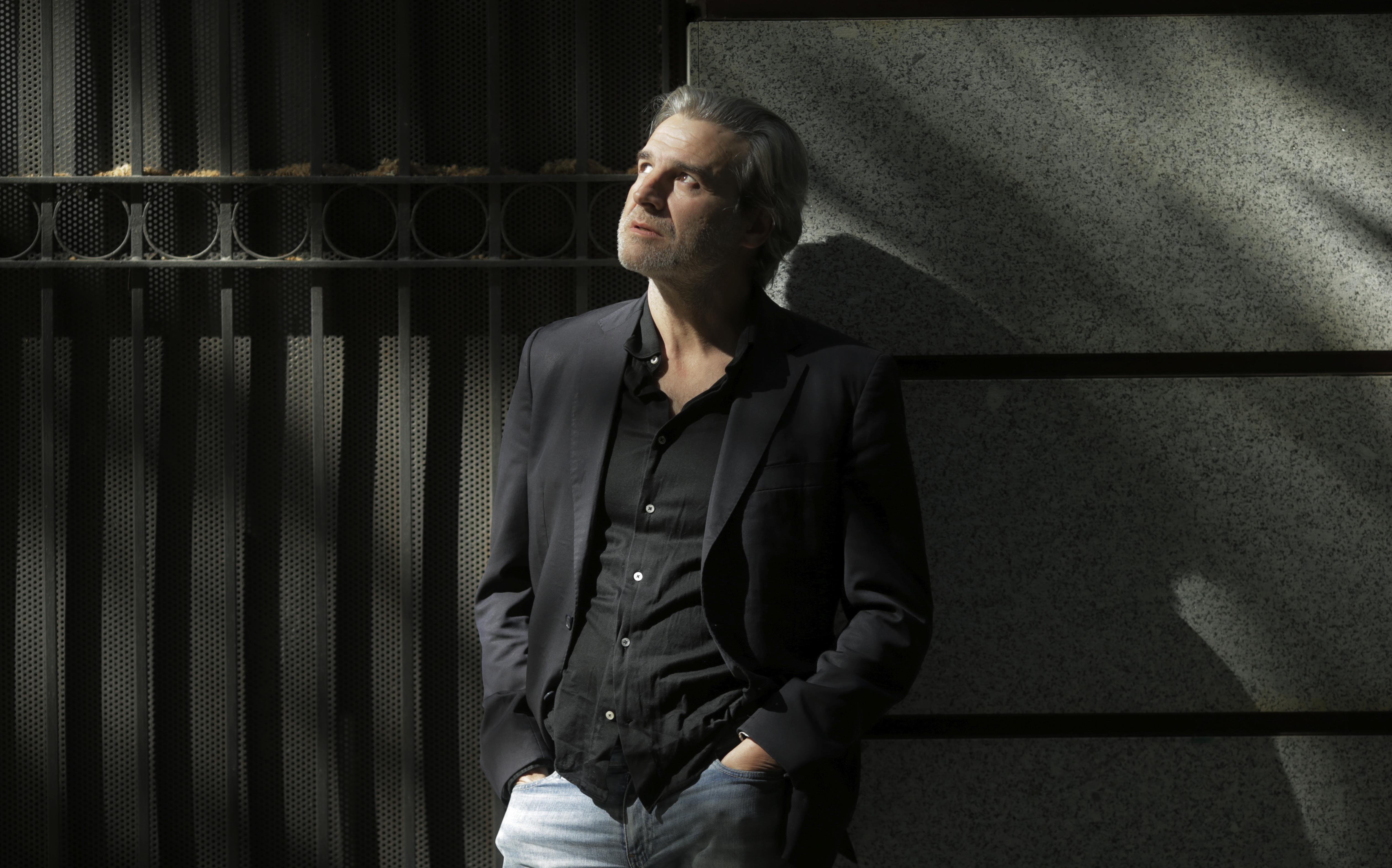 """Alberto San Juan: """"Mi único interés en la política es ignorar menos para vivir mejor"""""""