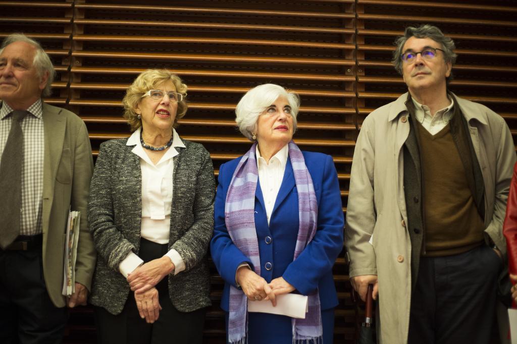 Trapiello junto a Carmena y Francisca Sauquillo en el Comisionado de la Memoria Histórica