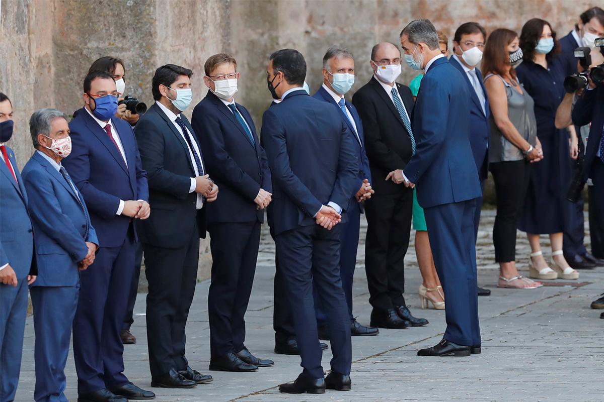 Los presidentes, con el Rey y Sánchez el pasado julio.
