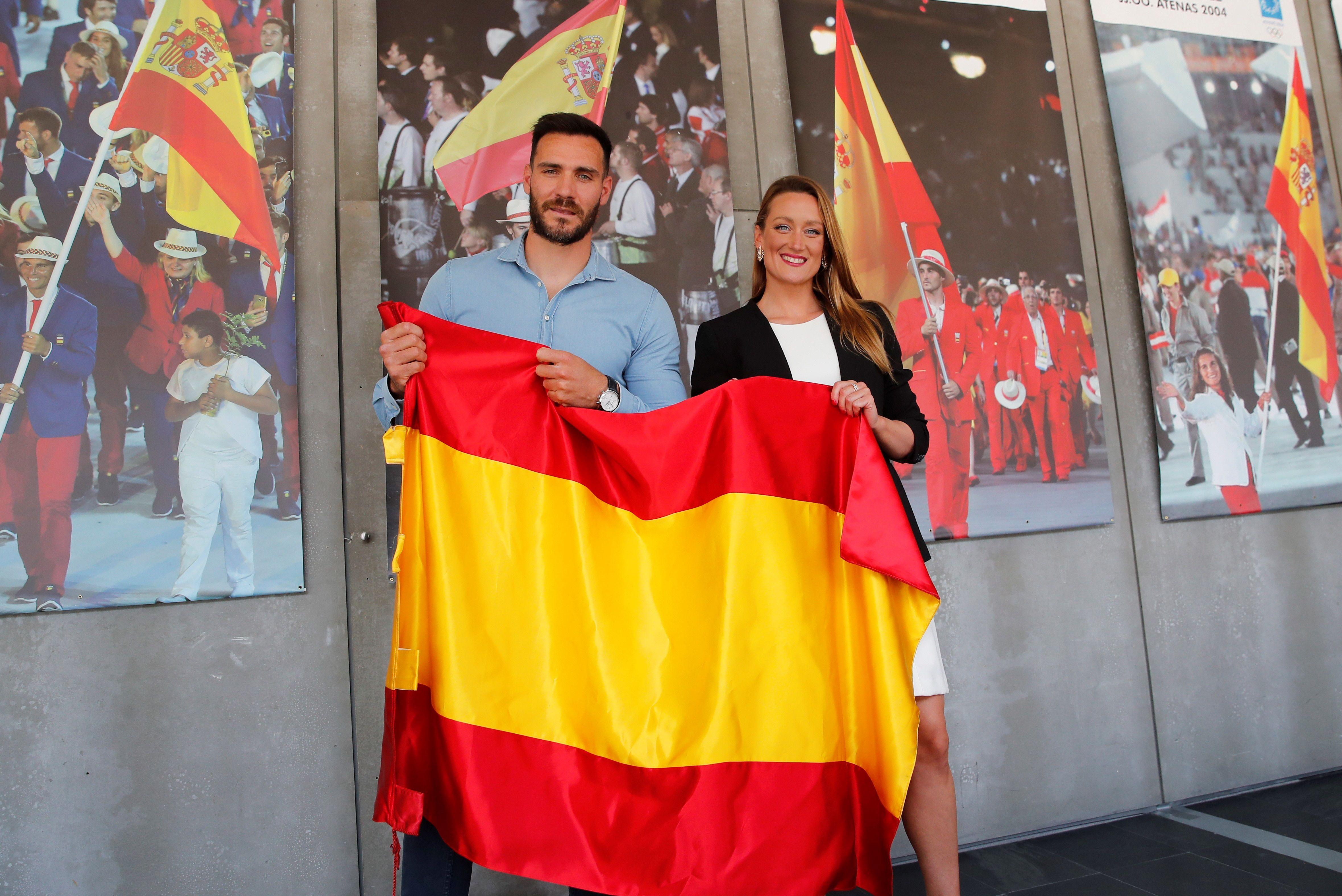 Mireia y Saúl Craviotto, durante el acto en el COE.
