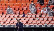 Un partido en Mestalla sin público.