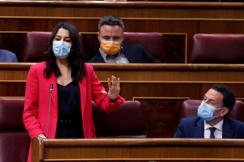 La líder de Ciudadanos, Inés Arrimadas, ayer en el Congreso, junto a Edmundo Bal.