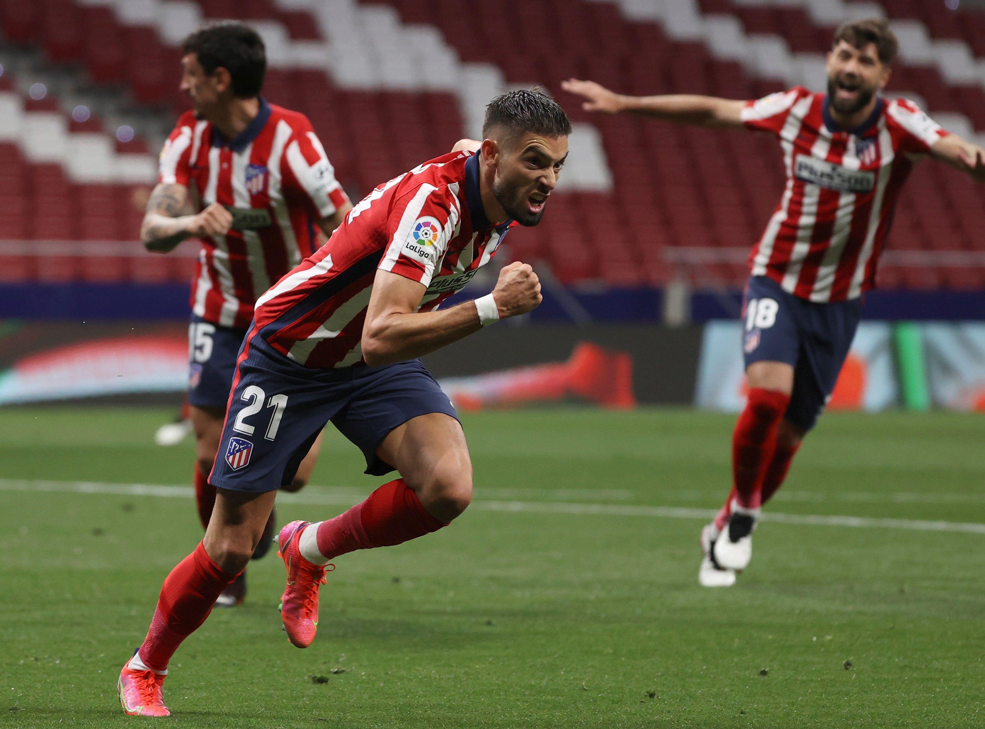 Carrasco celebra el primer gol del Atlético a la Real.