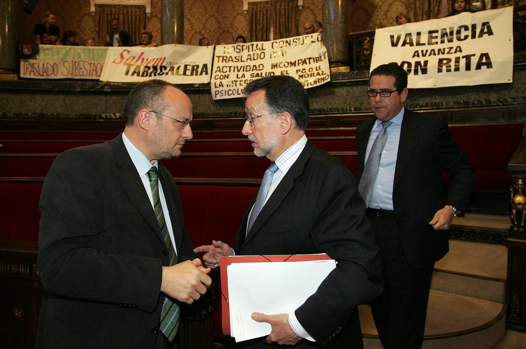 Rafael Rubio y Alfonso Grau, en un pleno municipal de Valencia en 2006.