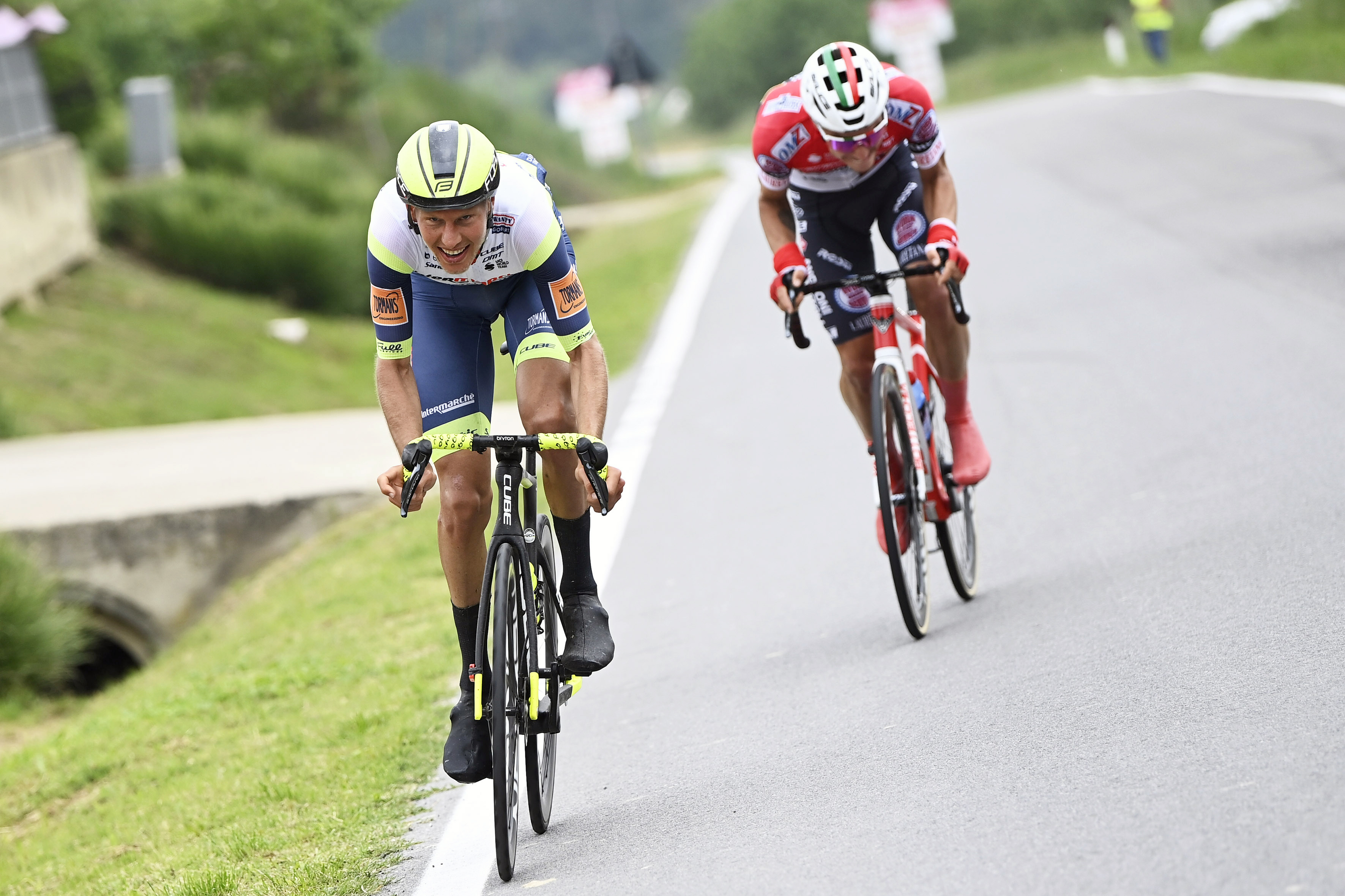 Pellaud, detrás de Van der Hoorn, en la tercera etapa
