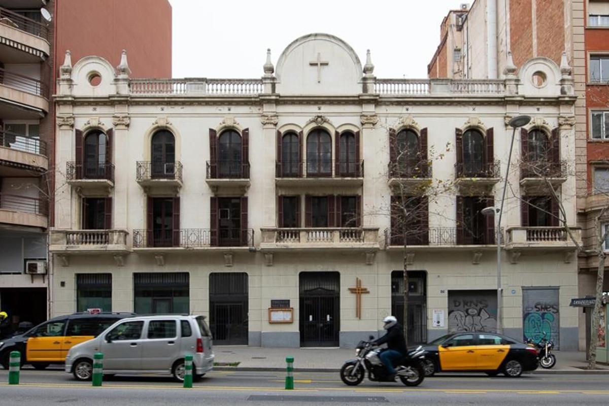 Parroquia  de San Isidoro de Barcelona, que va a destruirse para ceder el suelo al Hospital Clínic.