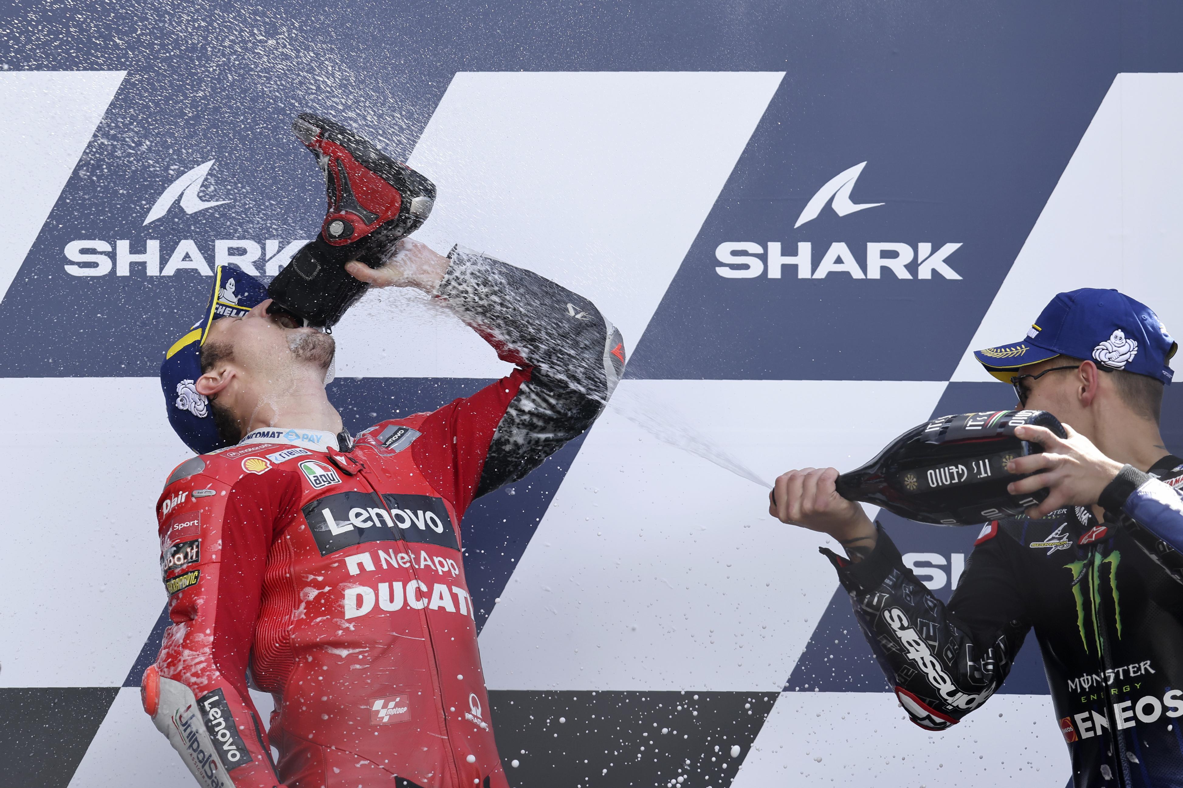 Miller (izda.) y Quartararo celebran en el podio.